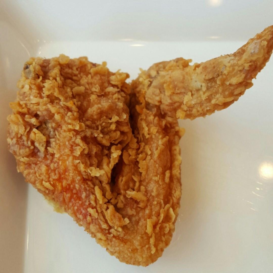 ไก่กรอบฮอตแอนด์สไปซี่--ปีก--hot--and--spicy-fried-chicken--wing-