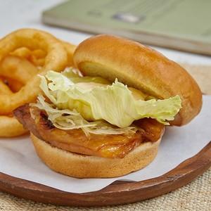 ข้อมูลโภชนาการ แคลอรี่ ไก่เทอริยากิ-เบอร์เกอร์-teriyaki-chicken-burger